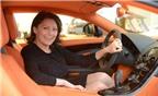 Người phụ nữ bán 11 chiếc Bugatti Veyron một năm