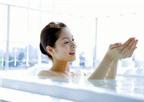Không nên tắm nước nóng khi sử dụng thuốc dán