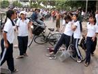Học trò nghiên cứu về bạo lực học đường