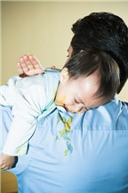 Trẻ bị nôn ọe khi ăn, mẹ cẩn trọng con bị dị ứng thực phẩm