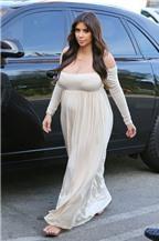 Bà bầu Kim Kardashian khoe vòng một nảy nở
