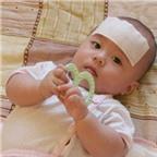 Sai lầm khi dùng miếng dán hạ sốt cho trẻ