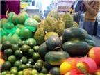 Vắng khách - thực phẩm, rau xanh quyết giữ giá