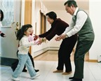 Dạy trẻ cư xử khi đến chơi nhà khác