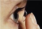 Bị đỏ mắt sau tháo kính áp tròng, phải làm sao AloBacsi?