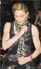 Madonna khoe cơ thể săn chắc ở tuổi 54