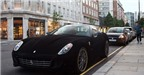 Lạ lẫm siêu xe Ferrari 599 bọc nhung