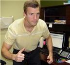 Hay mỏi cơ đùi khi ngồi làm việc, dấu hiệu bệnh gì?
