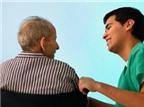 Người già hay bị nghẹn khi ăn là bệnh gì?
