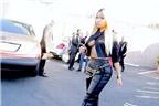 Nicki Minaj khoe vòng một theo cách 'khác người'