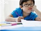 Đeo kính có giúp trẻ bớt cận?
