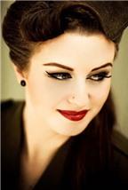 Cách thoa son đỏ cho đôi môi quyến rũ