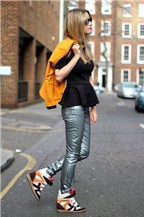 Cách phối đồ với giày vải nữ tính