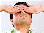 Mắt bị đau, mi dưới có mụn mủ là bệnh gì?