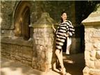 """Hoàng Thùy cá tính ở London với phong cách """"retro"""""""