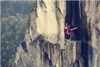 Chụp ảnh nghệ thuật trên vách núi cao 100m