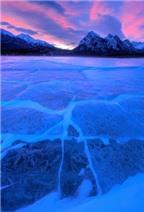 Hồ băng nhân tạo tuyệt đẹp ở Canada