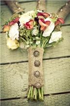10 cách làm đẹp cho bó hoa cưới cô dâu