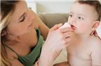 Hút mũi cho trẻ thường xuyên có hại không?