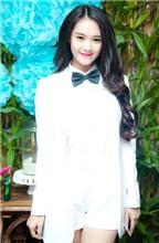 Linh Chi phá cách với áo vest và quần short