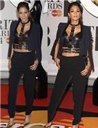 Nicole Scherzinger lộ lớp trang điểm ngực