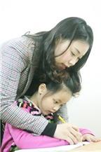 Không nên ép trẻ thuận tay trái viết tay phải
