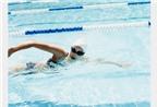 Nước tiểu và clo trong hồ bơi có thể gây ra bệnh phổi
