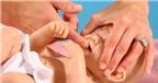 Rơ lưỡi đúng cách cho bé sơ sinh