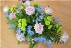 Cách cắm hoa để bàn đơn giản mà đẹp