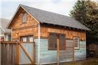 Ngôi nhà gỗ được làm từ... đồ bỏ đi