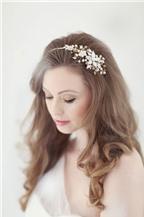 Phụ kiện làm đẹp kiểu tóc đơn giản cho cô dâu