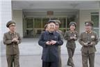 Kim Jong-un vui đùa với các bệnh nhi