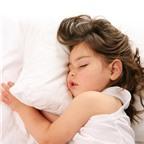 7 bí quyết giúp bạn rèn cho bé thói quen ngủ riêng