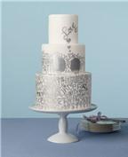 Bánh cưới độc đáo với họa tiết chữ