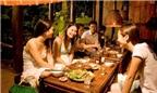 8 kiểu người dễ gây khó chịu trên bàn ăn