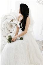 Cô dâu xinh đẹp với phong cách gợi cảm