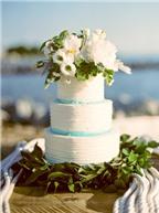 12 cách làm đẹp bánh cưới với hoa màu sắc