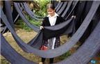 Chất liệu thổ cẩm độc đáo trong trang phục của thiếu nữ Mông