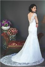 Váy cưới voan và ren dành cho cô dâu Việt