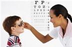 8 dấu hiệu trẻ cần đi khám mắt