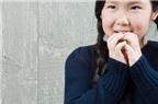 Bé cắn móng tay: Nguyên nhân và cách trị