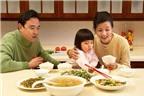 Những món canh bổ dưỡng cho bé mới tập ăn cơm