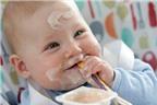 Cách tập cho trẻ ăn sữa chua