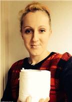 Kỳ lạ người phụ nữ nghiện ăn… giấy vệ sinh