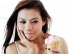 Răng bị vỡ gây ê buốt, làm sao khắc phục?