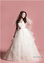2 phong cách váy cưới được lòng cô dâu Việt