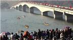 Nô nức lễ hội đua thuyền đuôi én Mường Lay