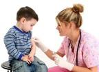 Giúp trẻ bị tiểu đường dễ chịu hơn khi tiêm thuốc