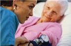 Người già tham gia công việc tình nguyện giảm rủi ro tăng huyết áp