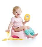 Dành cho bà mẹ trẻ: 3 mẹo nhỏ giúp bé ngồi bô dễ dàng
